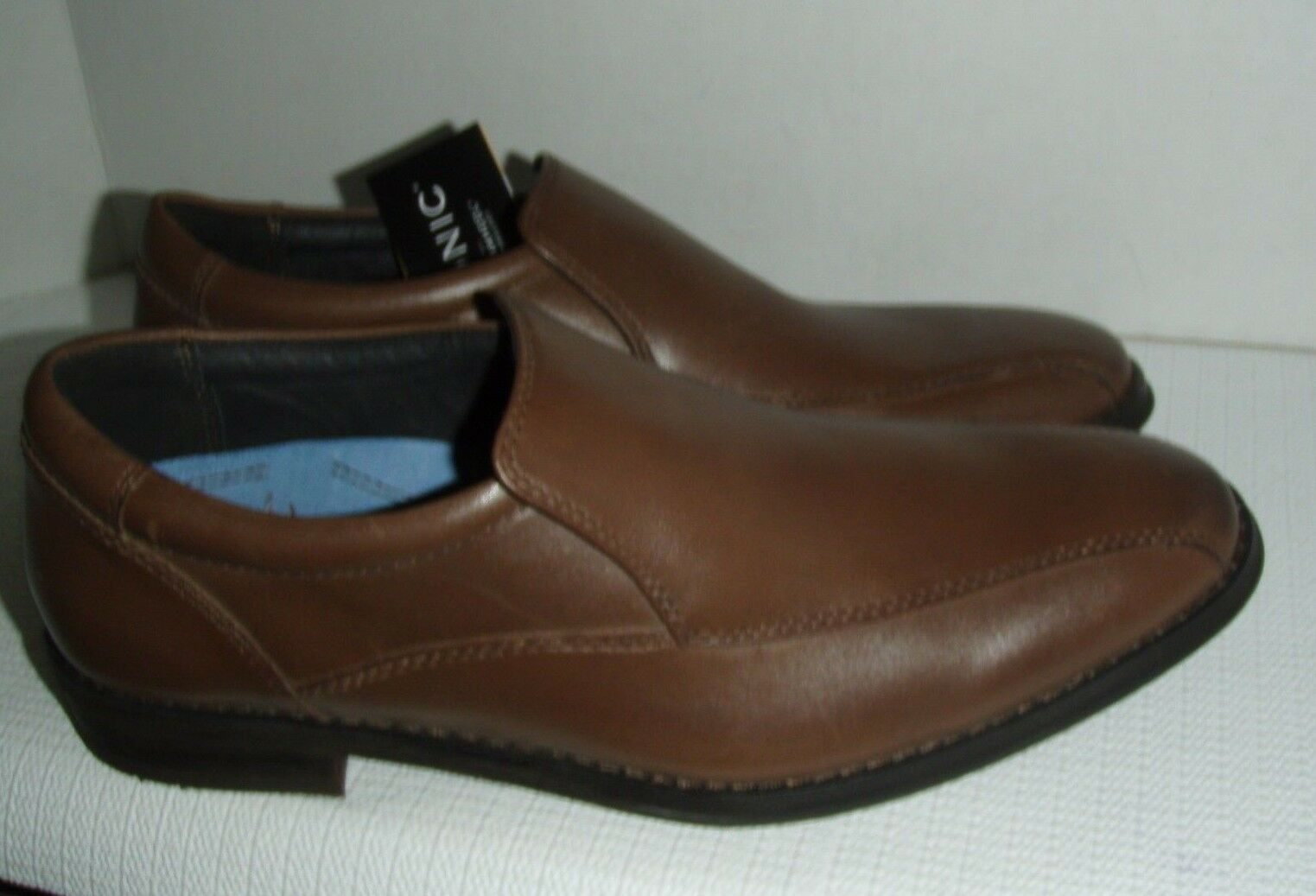 Vionic with Orthaheel Technology Men's Eric Loafer  color Coffee sz 8, 9, 10
