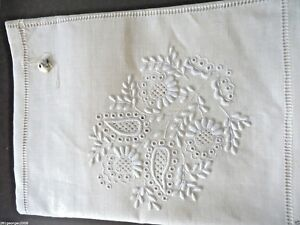 Vintage-Gorgeous-Linen-Hand-Embroidery-Cutwork-Oblong-Cream-Tablecloth-54-034-x72-034