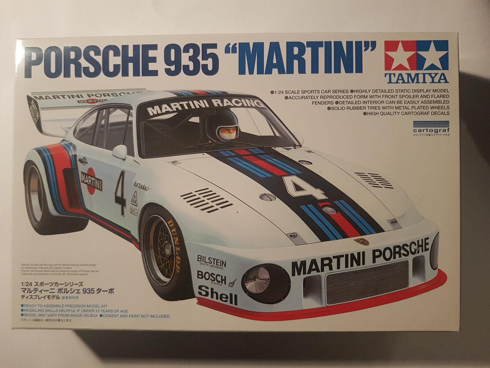 Porsche 935    Martini  TAMIYA 1 24 scale 44b162