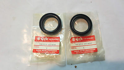 Suzuki RM80 1986-1995  oem fork seals set   p.n  51153-02B00