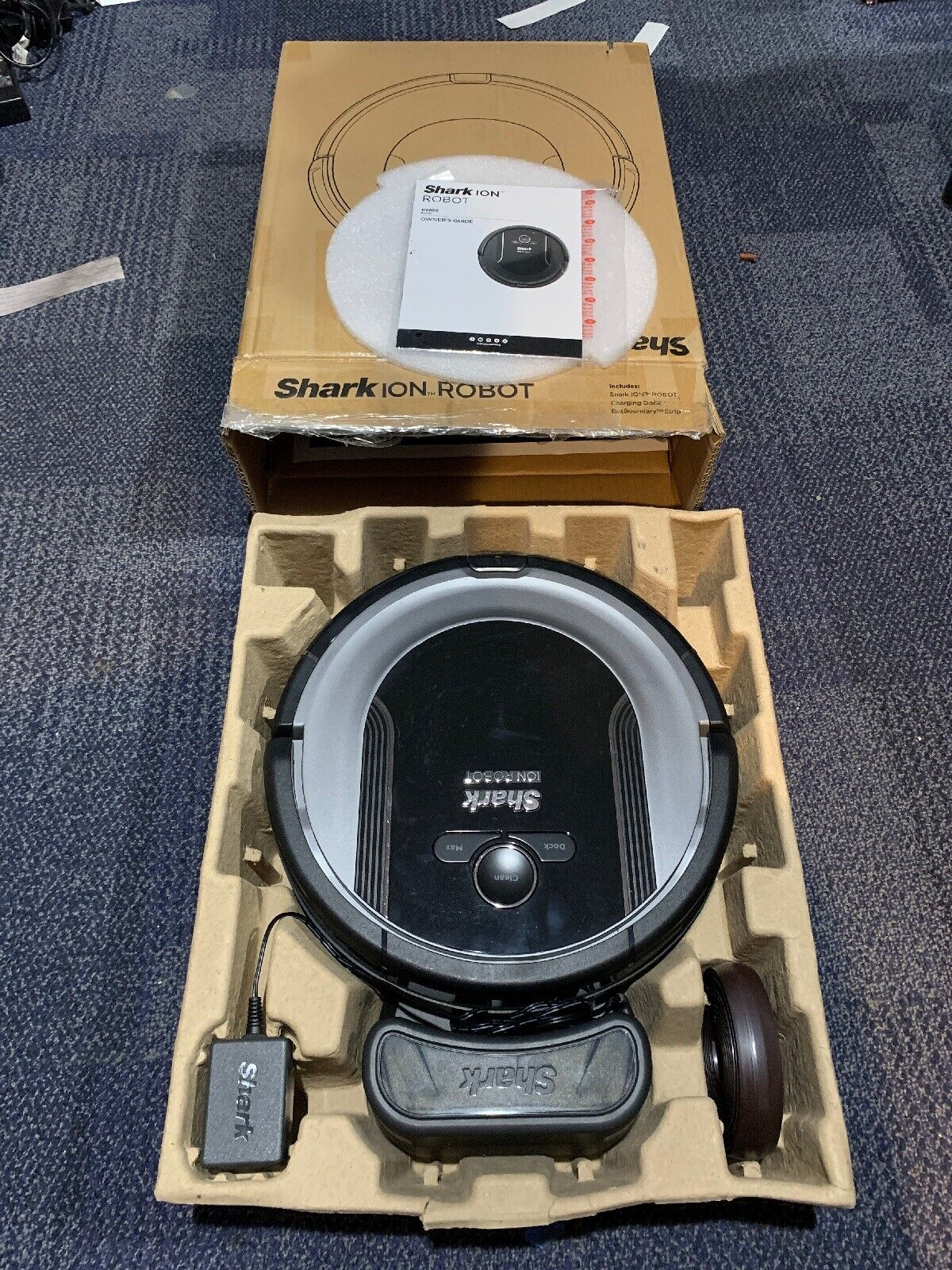 Shark Ion Wireless Wi-Fi Robotic Self Cleaning Vacuum Cleaner RV850BRN New Other