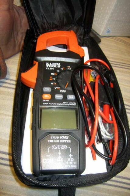 Klein Tools CL800 Digital AC TRMS Low Impedance Auto-Range Clamp Meter Kit