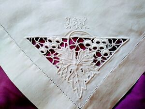 """Table Linens Madeira White On White Grape Design Cutwork & Embroidery Table Topper 23"""" By 25"""" Collectibles"""