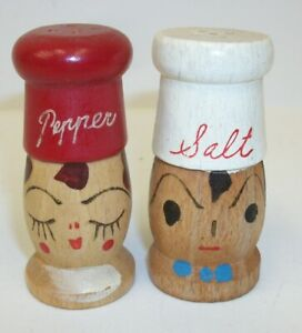 Wooden-Chef-Head-Salt-and-Pepper-Shaker-Set-Made-in-Japan