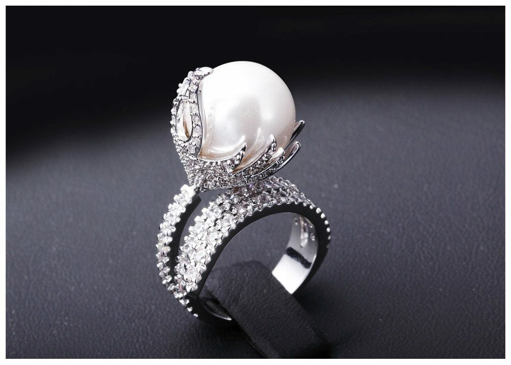 Gorgeous Design Cubic Zirconia Pave White Pearl 18k White gold Filled Ring Size8
