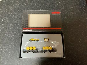 Marklin-spur-z-scale-gauge-Dinkelacker-Container-Car-Set-New