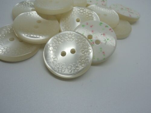 GR520-23MM 5pcs FLOWERS ON WHITE PEARL RESIN ITALIAN BUTTONS SHIRT JACK SEWING