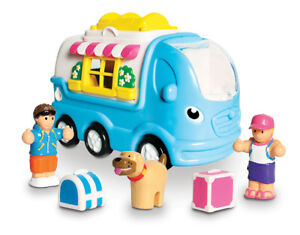 Kitty-Camper-Van-from-WOW-TOYS-1-Years-in-an-eco-friendly-hassle-free-package