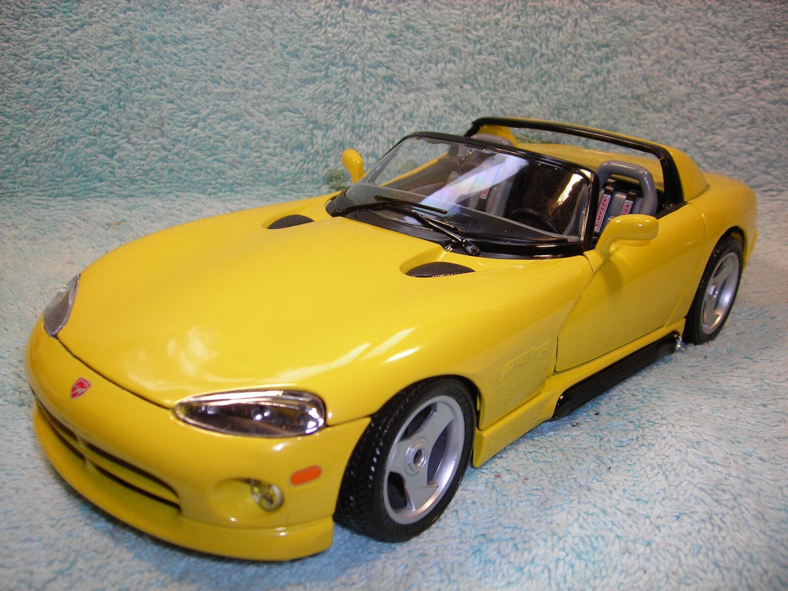 ventas directas de fábrica 1 18 Diecast 1993 Dodge Viper RT-10 RT-10 RT-10 en amarillo por Bburago.  tienda en linea