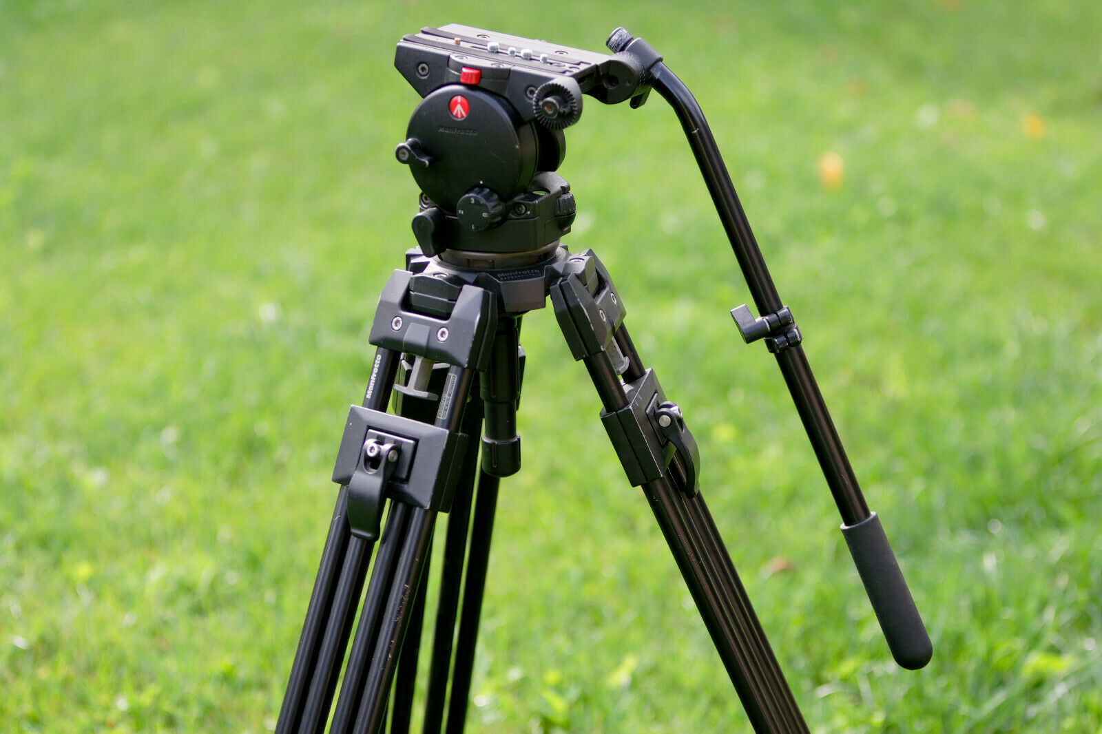 Fluid Manfrotto 526 Head with 350MVB Profesional Tripod