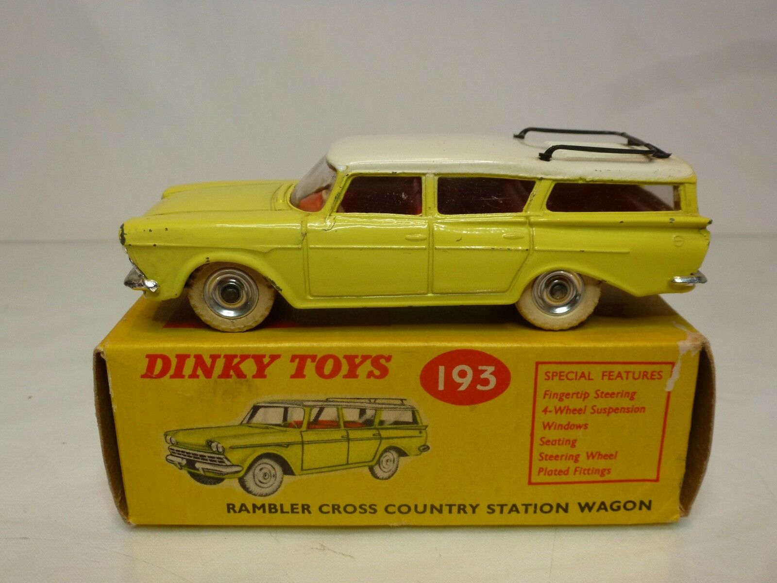 DINKY TOYS 193 RAMBLER CROSS COUNTRY STATION WAGON - jaune 1 43 - EXCELLENT IB