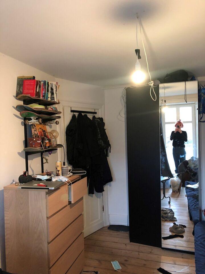 1663 værelse, kvm 13, mdr forudbetalt leje