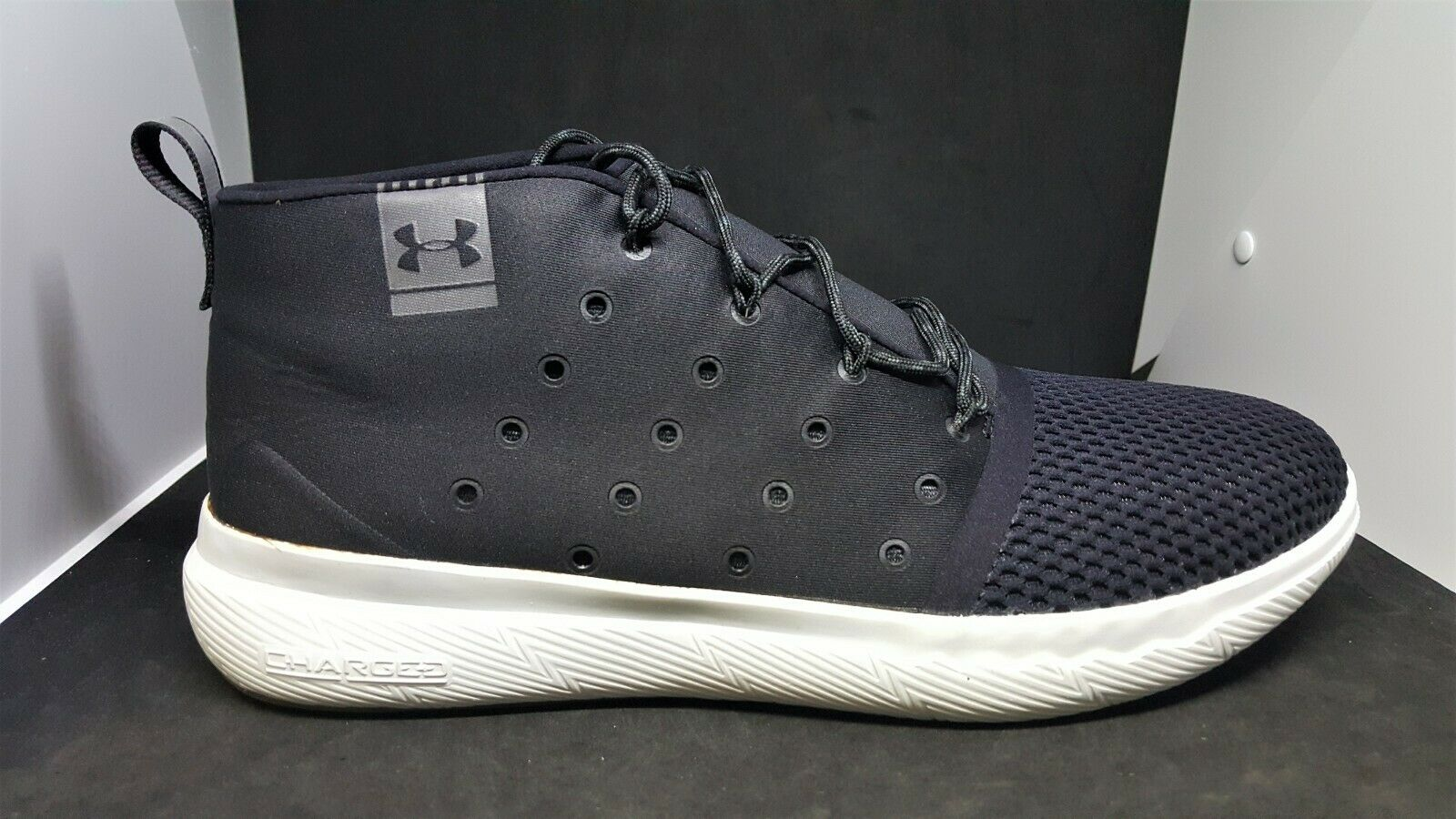 UNDER ARMOUR CHARGED 24 7 MID CASUAL schuhe schwarz 1288351-001 MEN SZ 10.5