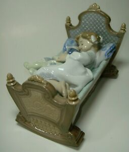 Perfect Condition Lladro 5717 Rock A Bye Baby