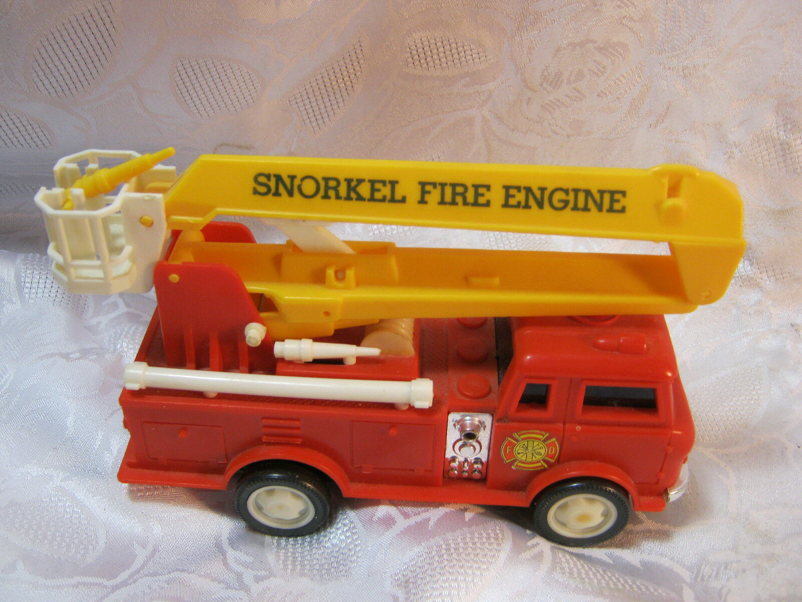 Snorkel Fire Engine battery op toy 1970's vintage Made in Hong Kong