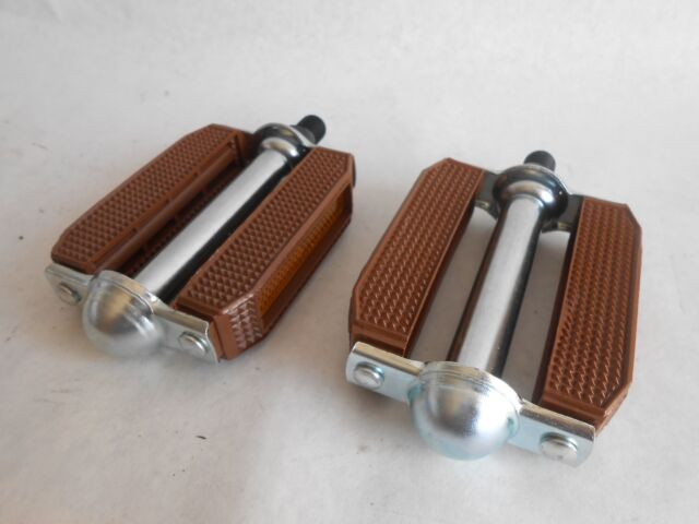 "Original Bicycle Krate Rubber Pedals 9//16/"" BMX Beach Cruiser 3 Colors"