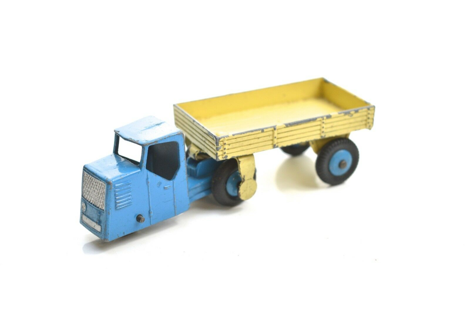 DINKY 33w MECHANICAL HORSE AND OPEN WAGON.