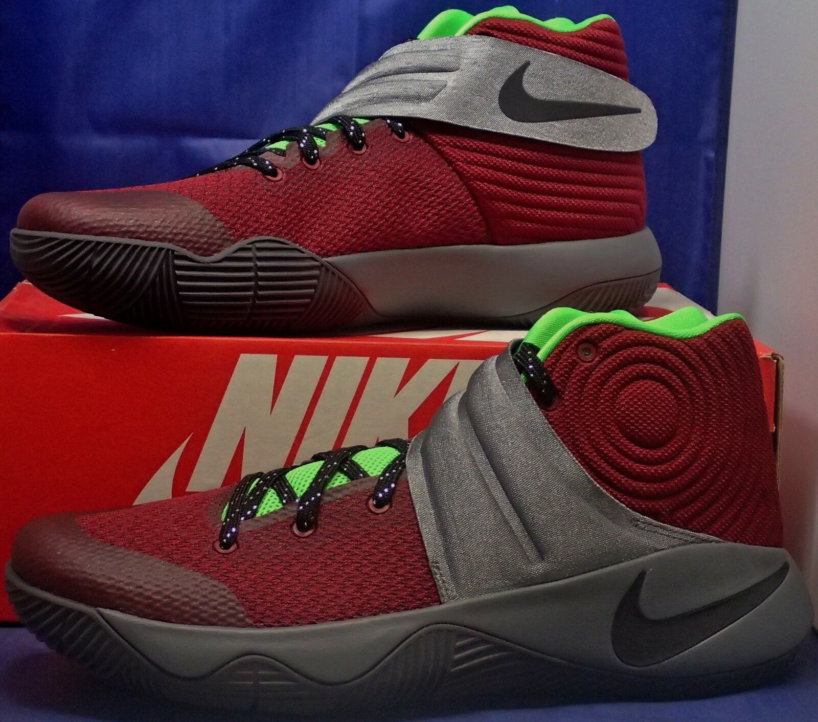 Nike Zoom Kyrie 2 Identificazione Team rosso  (Maroon) Hellgr 65533;n grigio Sz 11  molte concessioni