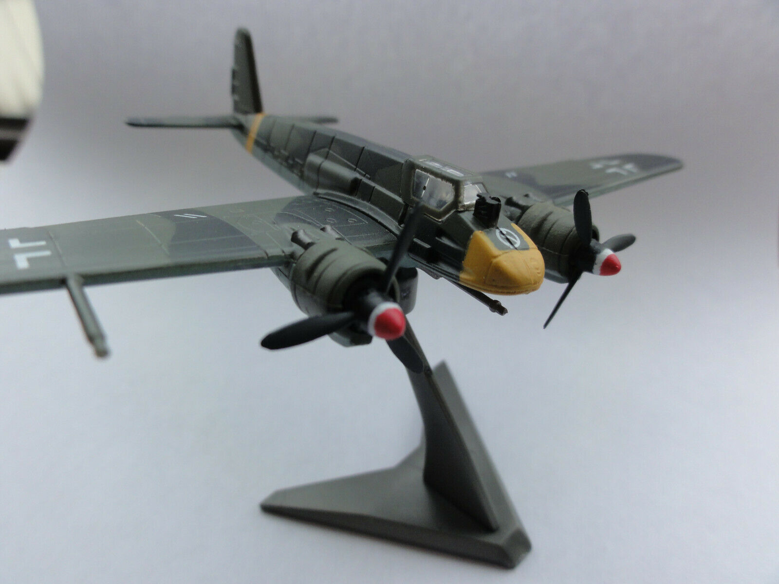 Luftwaffe Henschel Hs-129 - 1 144 TWIN-ENGIN AIRCRAFT COLLECTION by F-Toys