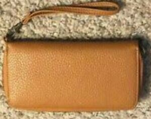 SRP$44 G.H. BASS long brown zipped pebbled leather wallet w/wrist strap BNWT