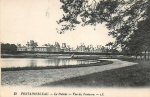 Fontainebleau-the-Palace-View-from-Flowerbed