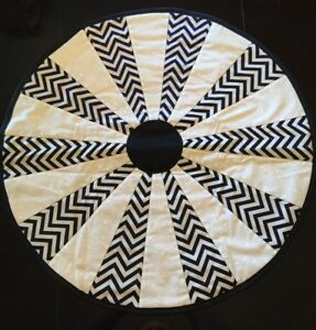 Quilted Round Table Toppers.Details About Black White Zig Zag Design Handcrafted 23 Round Handmade Quilted Table Topper