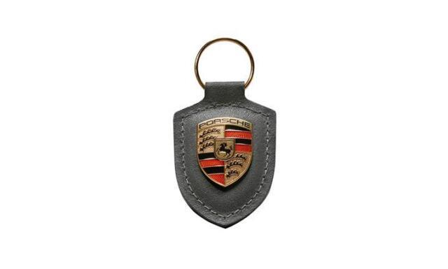 Porsche Schlüsselanhänger Wappen grau  *Porsche Driver's Selection* WAP0500970H