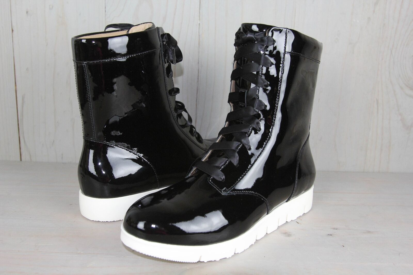 TSUBO EMILEE BLACK HIGH TOP PATENT LEATHER   BOOTS WOMENS US 7 NEW