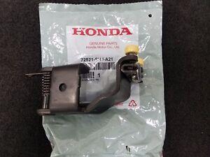 Genuine Honda Odyssey Right Power Sliding Door Center Roller 05 10 72521 Shj A21 Ebay