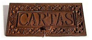 Boca Cartas Hierro Fundido. Medida: 25x12x7cm.color:marron Oxido