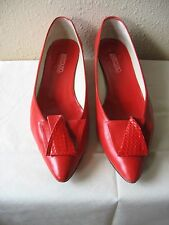 Vintage BANDOLINO Women's RED pumps shoes 8.5 M Made In Italy Slight use