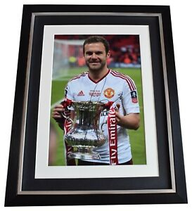 Juan-Mata-Signed-Autograph-16x12-framed-photo-display-Manchester-United-COA