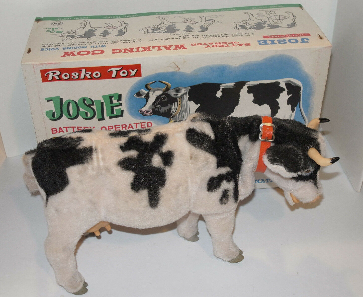 VINTAGE JOSIE BATTERY OPERATED WALKING COW WITH ORIGINAL BOX  MADE IN JAPAN