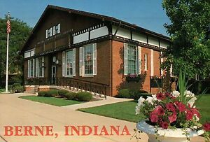 Berne-Indiana-United-States-Post-Office-Swiss-Heritage-Mennonite-Postcard