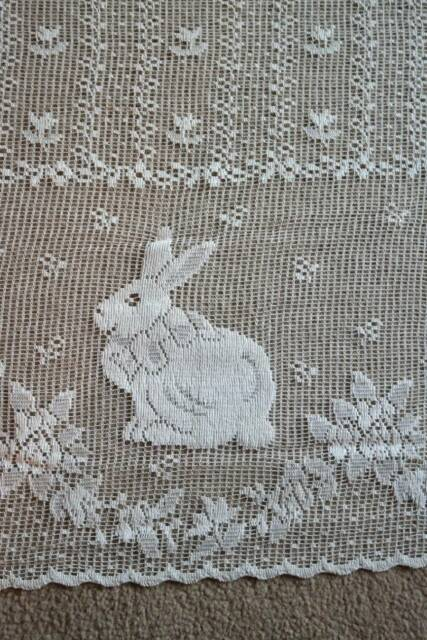 "Scottish cotton cafe curtain lace valance brise-bise 34"" Bunny Rabbits yardage"