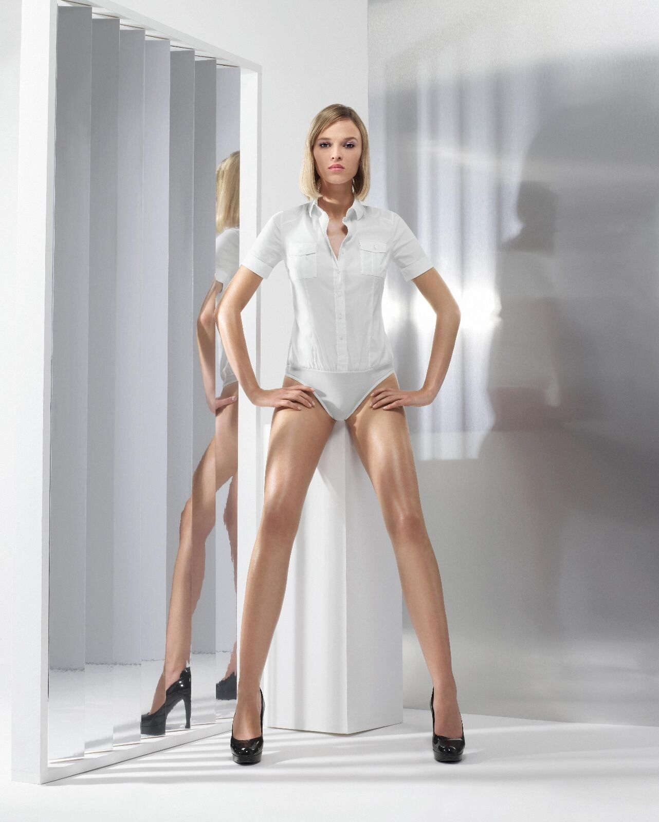 WOLFORD CAPE TOWN STRING BODY Größe US 12 Farbe Admiral 75511 -42