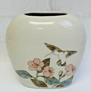 Vintage-Otagiri-Hand-Crafted-Porcelain-Hummingbird-Pink-Flower-Vase-Japan-4-5-034