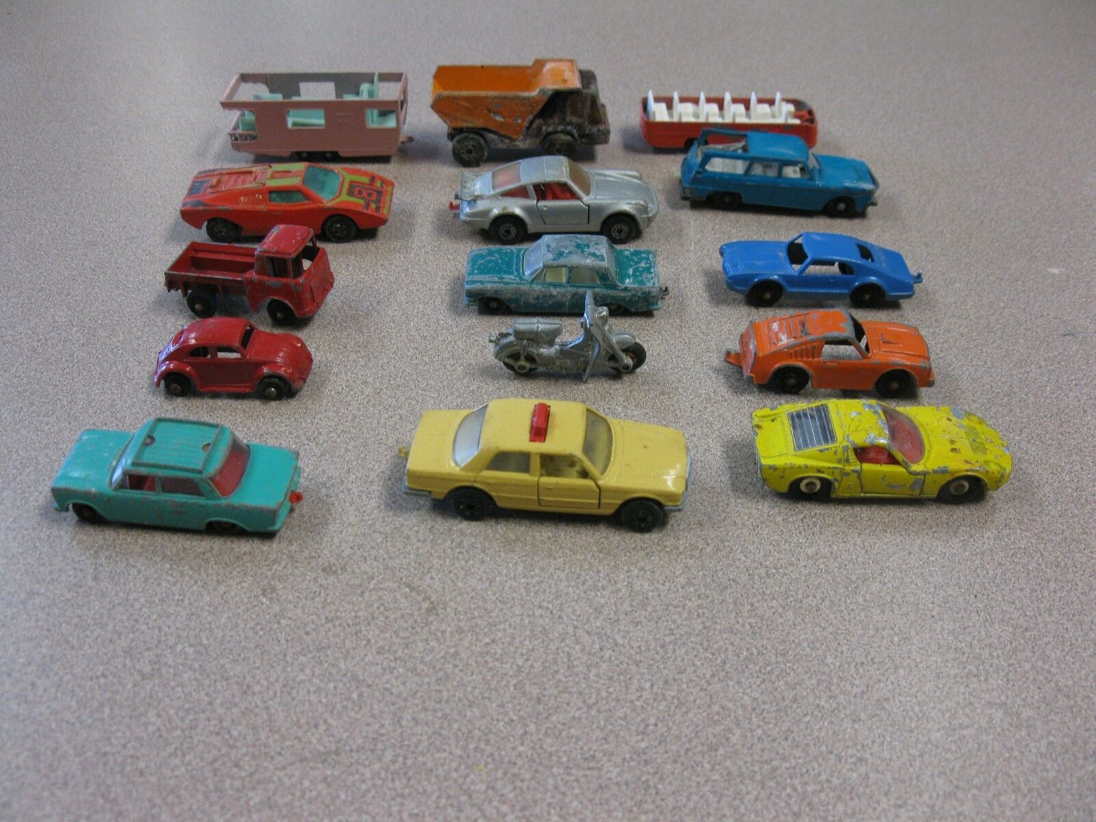 VINTAGE METAL METAL METAL CAR LOT OF 15 CARS  8c3973 - munpfu
