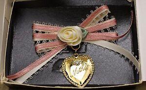 Vintage-Avon-Mother-Ribbon-amp-Hearts-Pin-Original-Box-1994