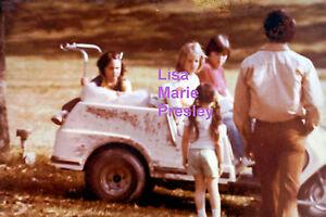 LISA-MARIE-PRESLEY-ON-GOLF-CART-JUNE-1977-ELVIS-VINTAGE-OLD-KODAK-PHOTO-CANDID