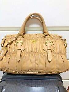 b15d13b1f2a4 Image is loading Pre-owned-Prada-Gaufre-Nappa-Leather-Bag