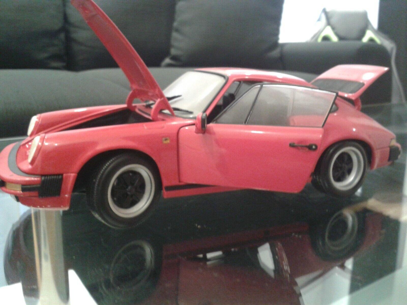 Minichamps porsche 911 carrera coupe 1 18 indischrot, vitrinenModelllll in ovp