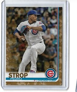 2019-topps-series-1-Camo-Parallel-Pedro-Strop-142-25-25-Chicago-Cubs
