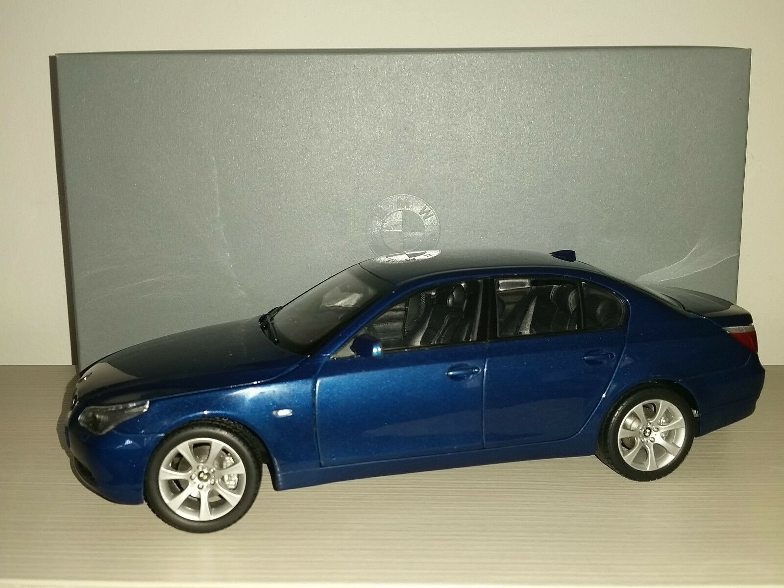 BMW 5 SERIE COUPE' KYOSHO SCALA 1.18