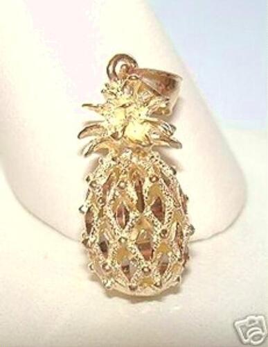 10.5mm Hawaiian 14k Yellow Gold Sparkly DC Pineapple Pendant