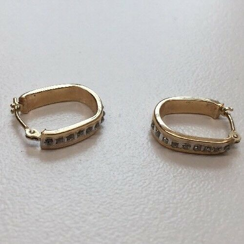 14 Karat Yellow gold Earrings .92 Grams