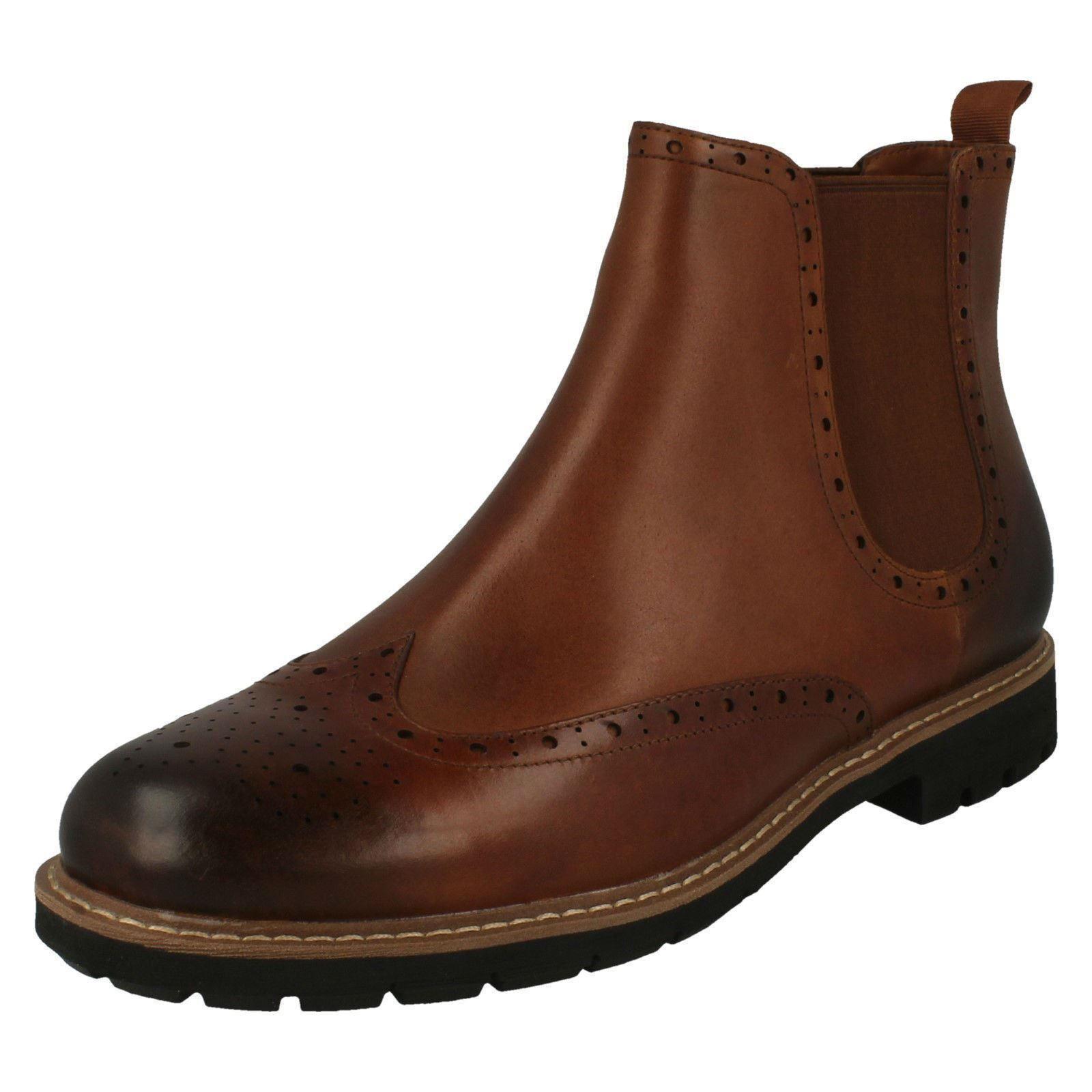 Top para Hombre Clarks Batcombe Oscuro Bronceado Cuero Inteligente botas de estilo Tire de Estilo