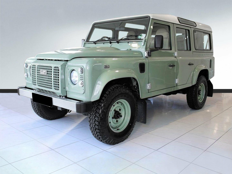 """Land Rover Defender 2,2 D 110"""" Heritage 5d"""