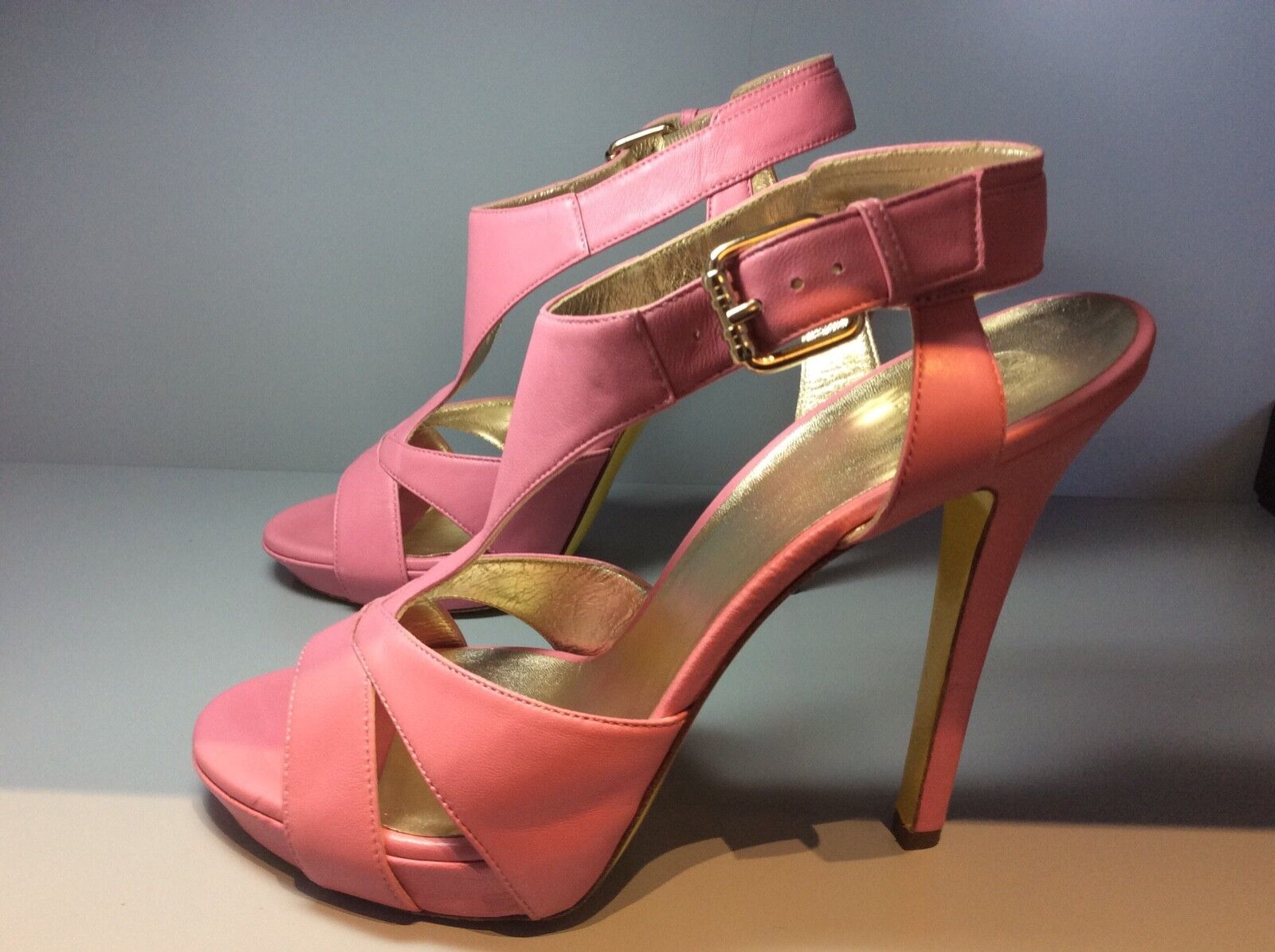 Women's pink Versace shoes size 39.5
