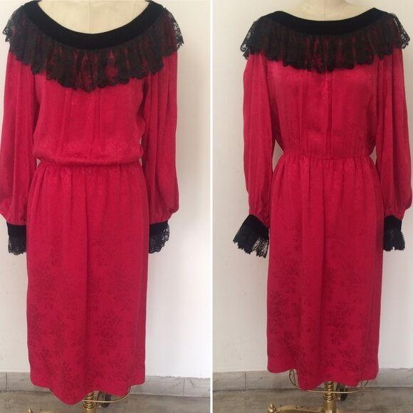 6b98f8773bc Women s RARE Vintage Oscar De La Renta Red Silk Ruffle Dress Size Large 12